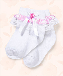 Cute Walk Ankle Length Socks With Overlay Lace Detail - White & Pink