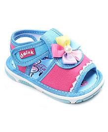 Doink Sandals Floral Applique - Light Blue Pink