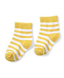 Cute Walk by Babyhug Striped Socks - Yellow & White