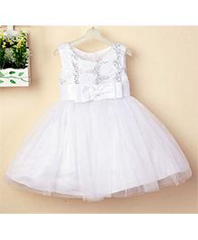 Peach Girl Sleeveless Dress With Bow - White