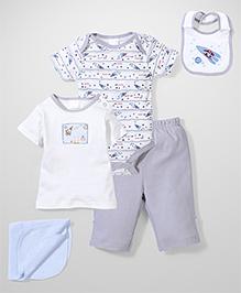 Little Wacoal Attractive T-Shirt Onesie Pant Napkin & Bib Set - Multcolour