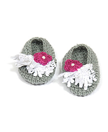 The Original Knit Handcrafted Flowers And Pearl - Grey