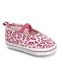 Luvable Friends Cheetah Print Shoes - Off White