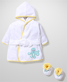 Luvable Friends Full Sleeve Bath Rope & Booties - White & Yellow