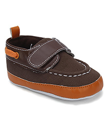 Luvable Friends Baby Shoes With Belco - Brown & Orange