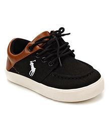 DingDingWa White Horse Riding Print Shoes - Black