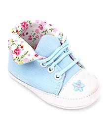 Cute Walk Casual Slip-On Shoes Floral Design - Light Blue