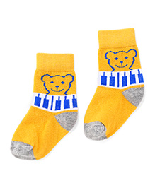 Cute Walk by Babyhug Ankle Length Socks Bear Design - Yellow