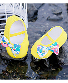 D'chica Delicate Shoes With Bow - Yellow