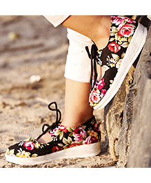 D'chica Tie Up Floral Shoes - Multicolor
