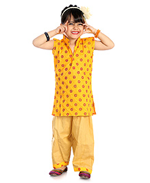 Little Pockets Store Print Suit - Yellow