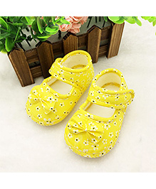 Wow Kiddos Bow Knot Anti Slip Crib Shoes - Yellow