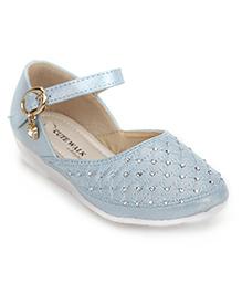 Cute Walk by Babyhug Sandals Embellished Detail - Blue