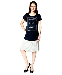 Nine Half Sleeves Maternity Top Caption Print - Navy