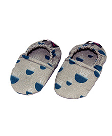 SnugOns Jelly Fish Print Booties Military - Military Green