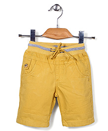 Quick Seven Casual Shorts - Yellow