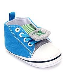 Cute Walk by Babyhug Booties Star Design - Blue