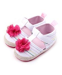 Princess Cart Mary Jane Shoes Floral Applique - White