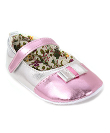 Cute Walk by Babyhug Booties Bow Applique - Light Pink Silver