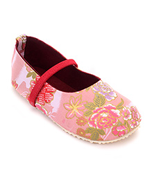 Nena Flower Print Pair Of Shoes - Pink
