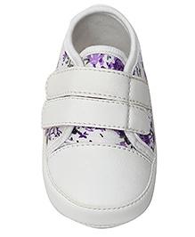 Togo Flower Print Casual Shoe - White