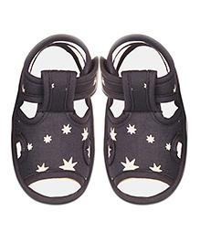 Kidofy Star Print Pair Of Sandals - Grey