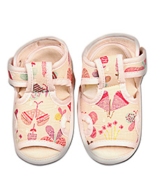 Kidofy Butterfly Print Pair Of Sandals - Cream