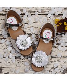 D'chica Stylish Sandals - Sliver & White