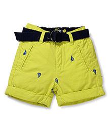 Vitamins Shorts with Belt Boats Print - Green