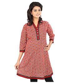 MomToBe Three Fourth Sleeves Printed Maternity Kurti With Contrast Color Detailing - Maroon