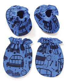 Babyhug Multi Printed One Pair Of Mittens & Booties Set - Blue