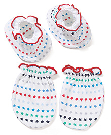 Babyhug Star Printed One Pair Of Mittens & Booties Set - White & Red