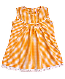 Campana Sleeveless Lace Trimmed Top - Yellow
