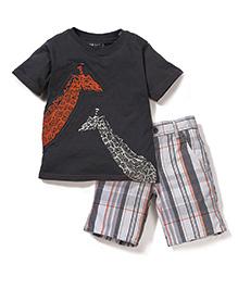 Nannette Giraffe Print T-Shirt & Half Pant Set - Grey & White