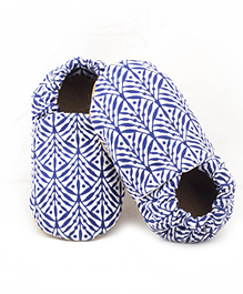Skips Palm Branches Slip-On Jootie Booties - White Blue