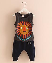 Mauve Collection Lion Face Print T-Shirt & Pants - Black
