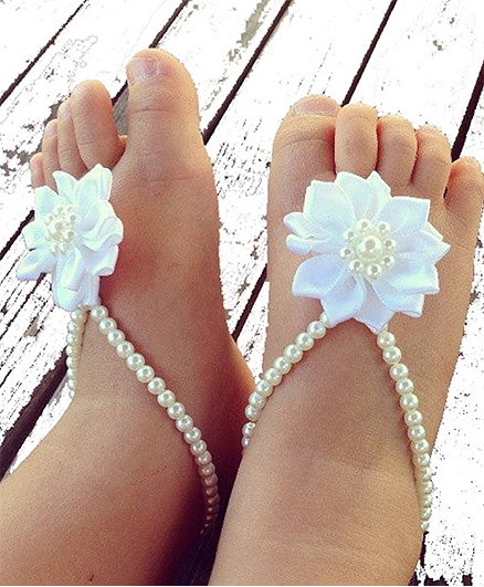 D'Chica Stunning Pearl Flower Barefoot Shoes For Baby Girls - Cream
