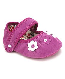 Cute Walk by Babyhug Booties Floral Patch - Purple