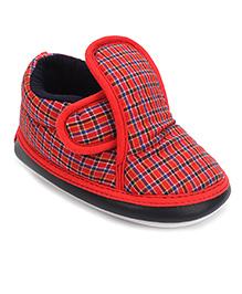 Little's Musical Booties Check Print - Red And Black