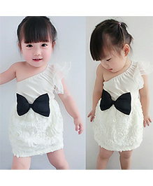 Tiny Closet Off shoulder Dress With Bow - White