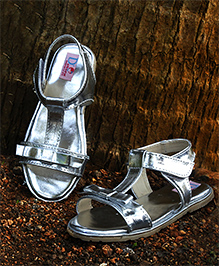 D'chica Chicness In Her Feet Sandals - Silver