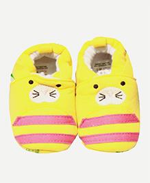 Kiwi Booties Kitten Face Print - Yellow