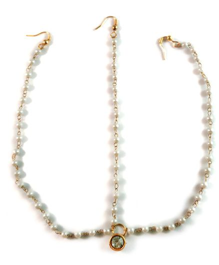 Tiny Closet One Stone Maang Tikka With 3 Strands - Golden & White