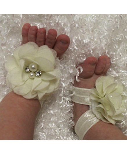 Akinos Kids Diamond Pearl Flowers Barefoot Sandals - Cream