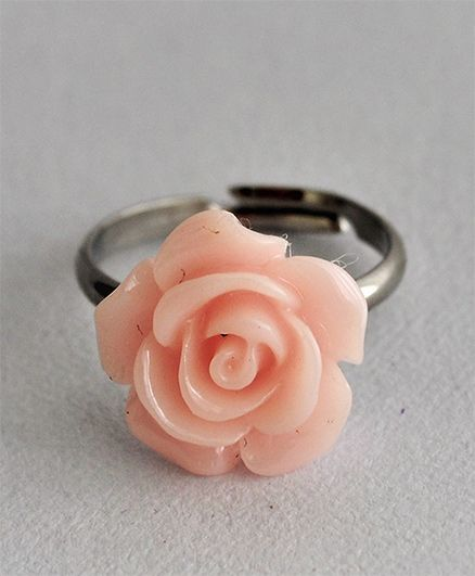 Bobbles & Scallops Small Resin Rose Ring - Off White