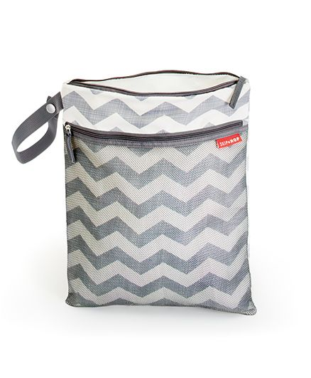 Skip Hop Grab And Go Wet-Dry Diaper Bag Chevron Design - Grey