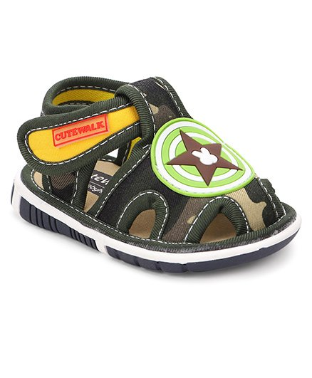 Cute Walk by Babyhug Sandals Star Motif - Green