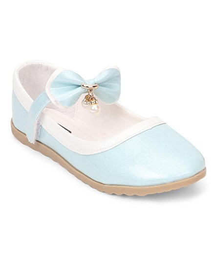 Cute Walk by Babyhug Bellies With Bow Applique And Pearl Danglers - Blue