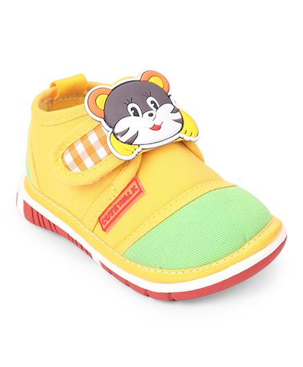 Cutewalk by Babyhug Casual Shoes Kitty Patch - Yellow