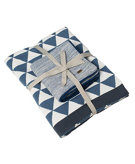 Pluchi Set Of Triangluos Bedsheet & Solid Cushion Cover - Blue & Ivory